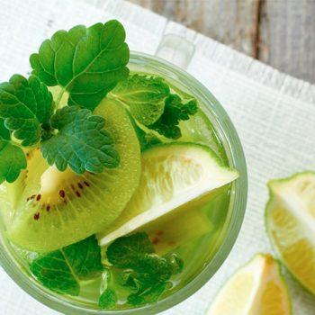 Agua de kiwi y limon