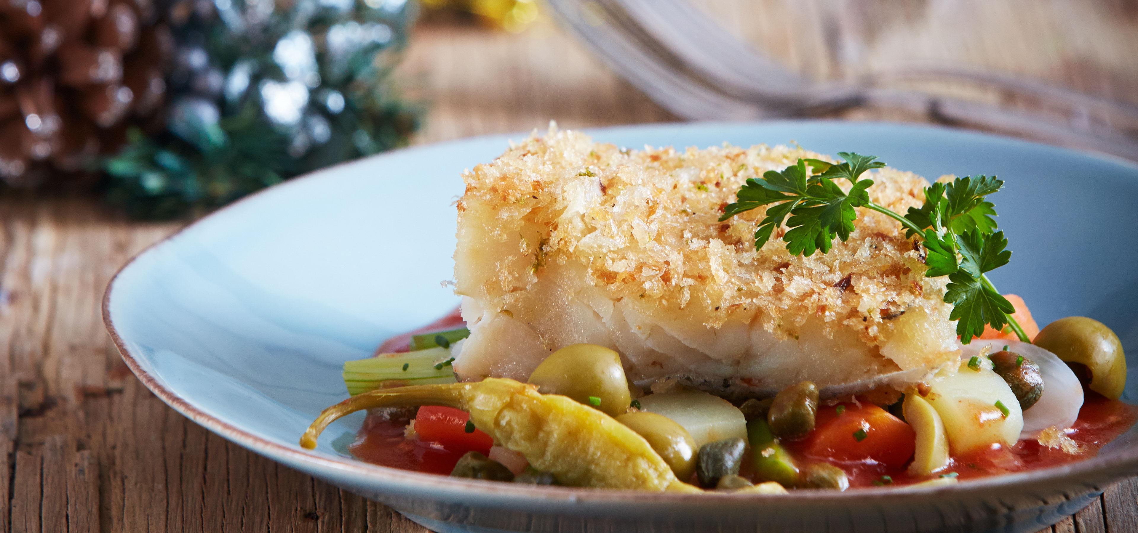 Bacalao al horno con vegetales y salsa de tomate chef - Salsa para verduras al horno ...