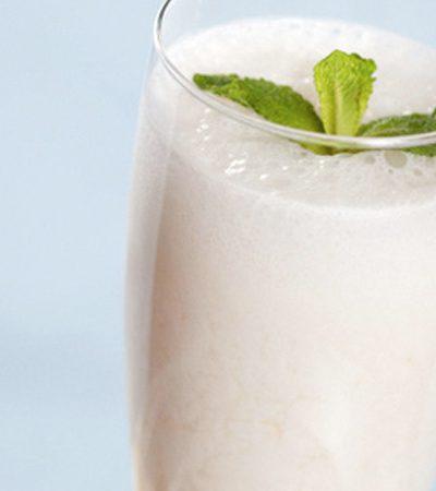 Bebida de lychee con menta