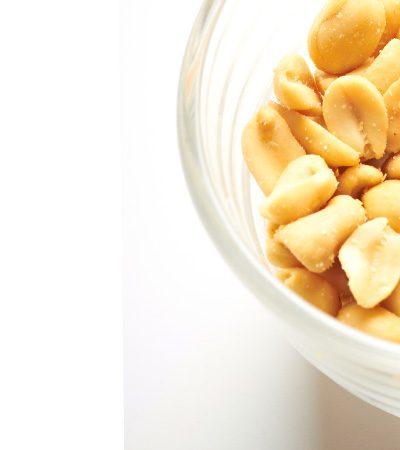 cacahuates y arandanos deshidratados