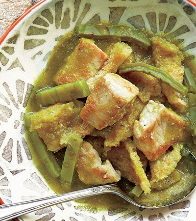 chicharron de cerdo en salsa verde