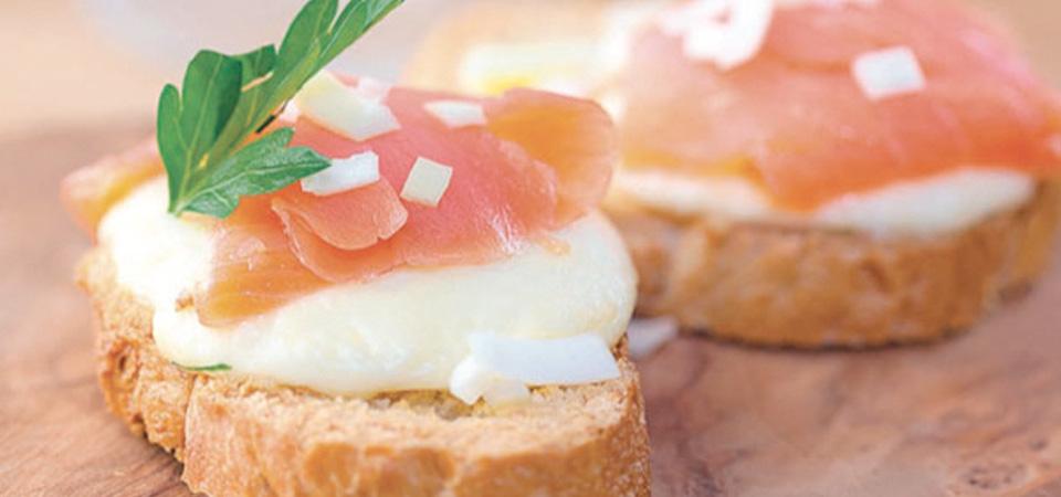 Crostini de Salmón a la Toscana