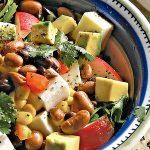 Ensalada de frijoles con tofu y vegetales
