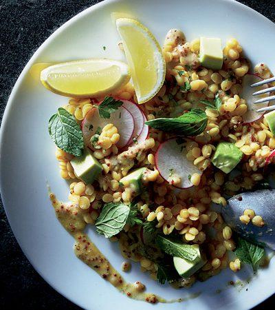 ensalada de lentejas con limon rabanos y hierbabuena