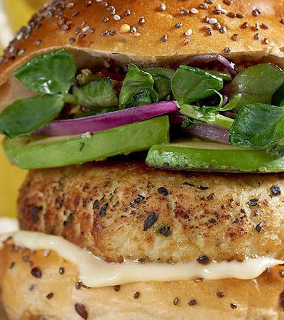 hamburguesas de pavo con queso crema y jalapeño