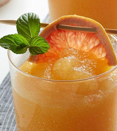 Margarita de durazno y toronja
