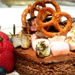 pastel de chocolate con malvaviscos