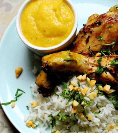 piernitas de pollo con salsa de mango y arroz