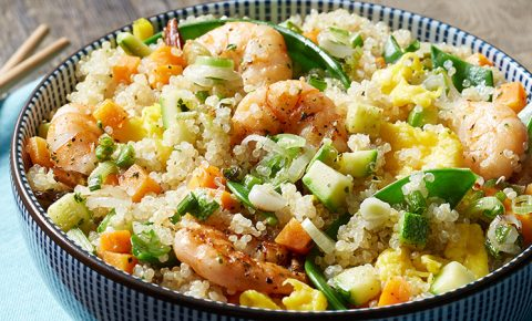Quinoa frita con camarones