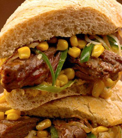 Sandwich de arrachera con mayonesa de paprika