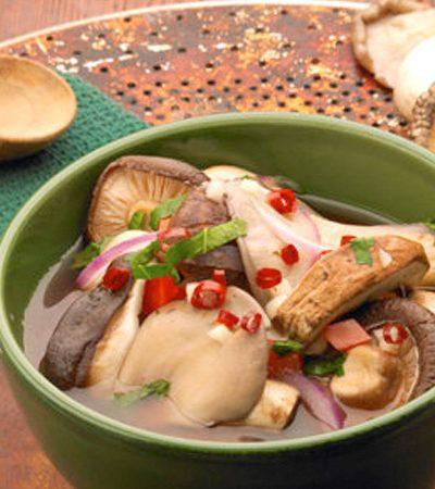 Sopa de hongos picante