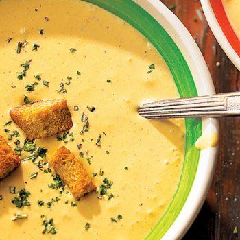 sopa de papa y chipotle