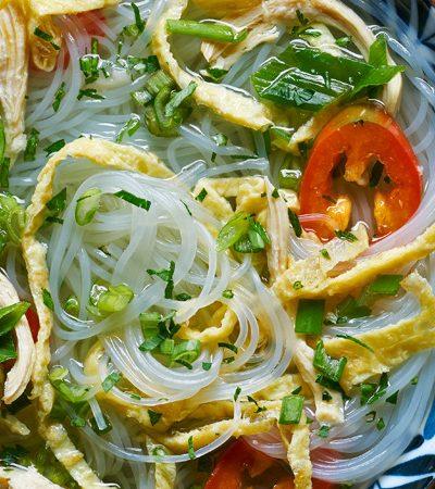sopa vietnamita con huevo