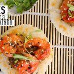 Sushi cakes de camarones con salsa de tamarindo