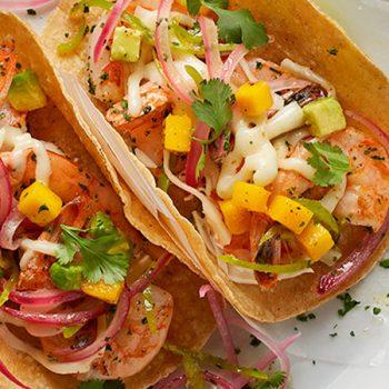 Tacos de camarones al tequila con habanero