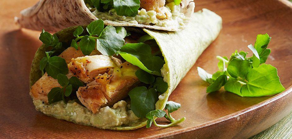Tacos de Pollo a la Parrilla con Salsa de Aguacate