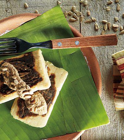 tamalitos oaxaqueños con salsa de semillas de girasol