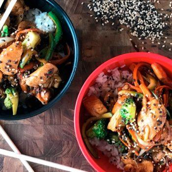 teppanyaki de vegetales y pollo