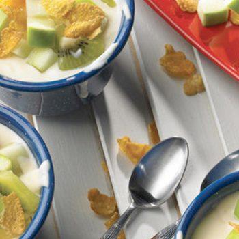 Vasos de yogurt con frutas