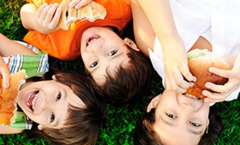 Cinco alimentos que tu hijo debe comer