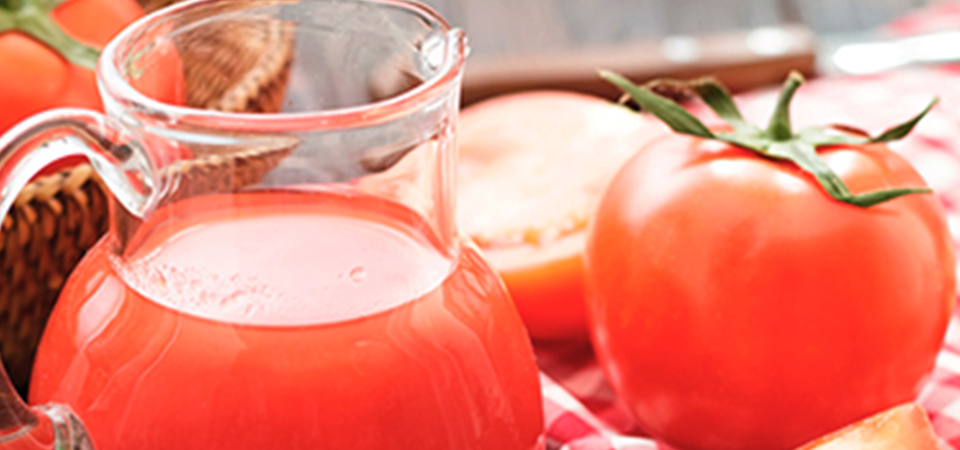 Complementa tu bebida predilecta con un toque de jitomate