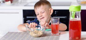Niños que no quieren comer. ¿Qué hacer?