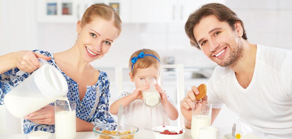 Por qué tu hijo debe desayunar esto
