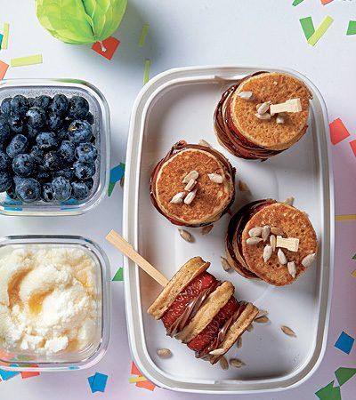 Brochetas de mini hotcakes
