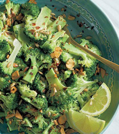 Ensalada de brócoli con semillas de girasol