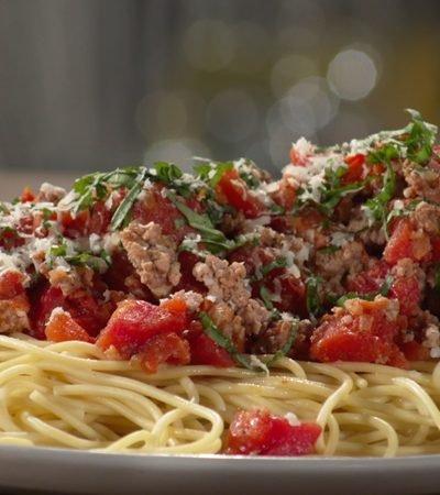 Espagueti a la boloñesa para compartir