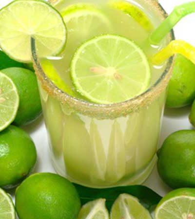 Agua de lima limón y jengibre