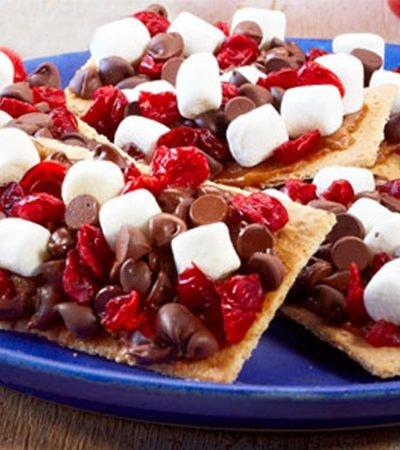 Barras de galletas de chispas de chocolate y malvaviscos