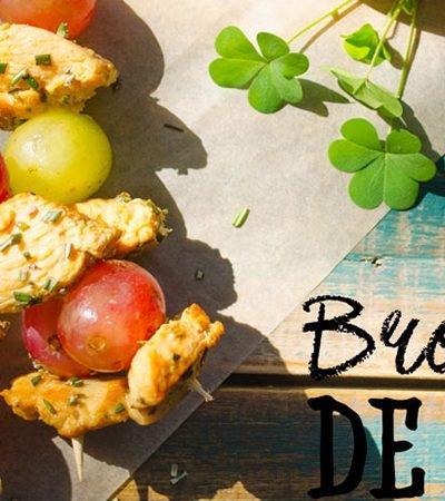 Brochetas de pollo con uvas y romero