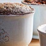 Brownie de chocolate en taza