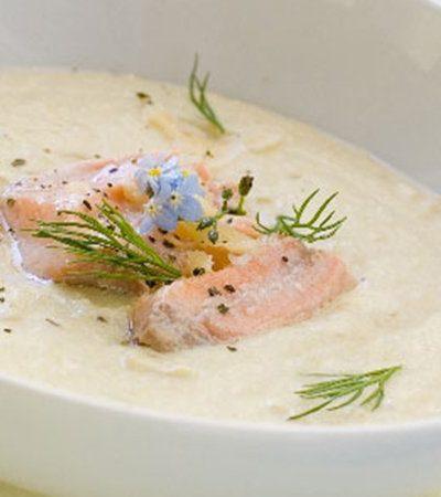 Crema de salmón ahumado y eneldo