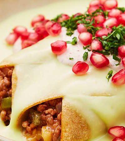 Enchiladas con Salsa de Poblano y Nogada