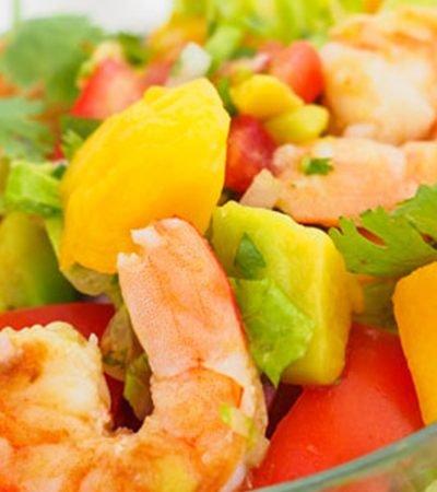 Ensalada de camarón con mango