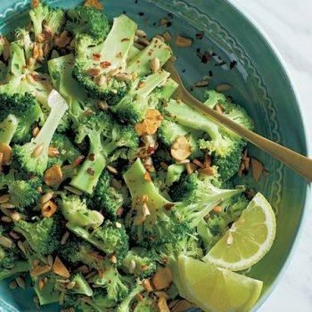 Receta ensalada de brocoli con semillas de girasol