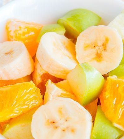 Ensalada de manzano, plátano y naranja