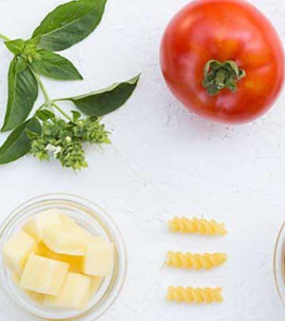 Ensalada de Tornillo con Vegetales y Vinagreta de Limón