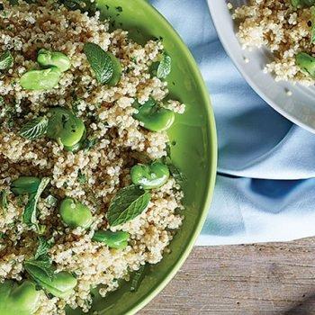 Ensalada de quinoa, habas y hierbabuena