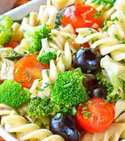 Fussili con brócoli y tomate