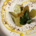 Gazpacho blanco de ajo y yogurt