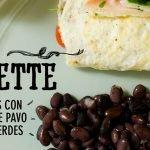 Omelette de Claras con Pechuga de Pavo y Hojas Verdes