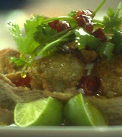 Pan Pita Relleno de Hummus y Falafel