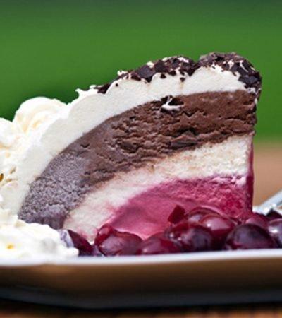 Pastel Helado de Chocolate y Fresa