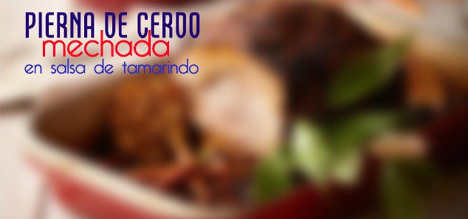 Pierna de cerdo mechada en salsa de tamarindo