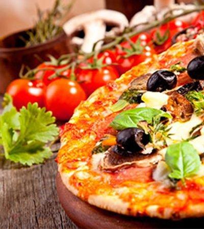 Pizza de aceitunas y champiñones