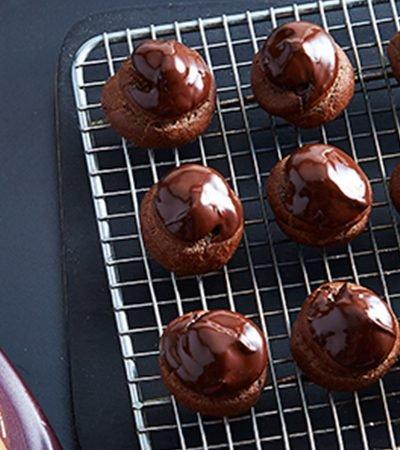 profiteroles-mocaccio-jarabe-sabor-chocolate