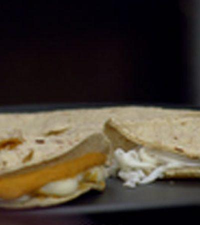 Mini quesadillas al comal